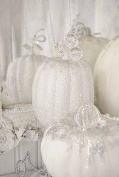 White Sparkly and Pretty Pumpkins! FROM: http://media-cache-ak0.pinimg.com/originals/72/65/36/726536c488a63331e7962f428833774d.jpg