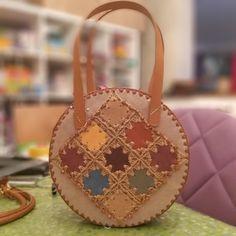 Handmade Handbags, Leather Bags Handmade, Handmade Bags, Leather Craft, Crochet Handbags, Crochet Purses, Crotchet Bags, Crochet Purse Patterns, Painted Bags