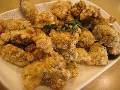 Beer Battered Fried Oysters 1 pt oysters ½ cup flour 6 tbsp beer 1 tbsp oil ¼ tsp salt ¼ tsp pepper 3 egg whites stiffly beaten Combine flour, beer, oil, salt and pepper in a bowl. Fold in egg whites. Roll oysters in batter, deep fry until golden brown, about 3-4 minutes. Serve with boiled potatoes and green beans.