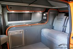 Great Volkswagen Bus Interior Design Ideas - Coolest for All 2018 Vw Transporter Camper, T5 Bus, Vw T5 Campervan, Kombi Motorhome, Campervan Ideas, Vw Camper Conversions, Camper Van Conversion Diy, Volkswagen Bus Interior, Campervan Interior