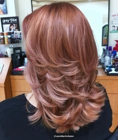 70 Brightest Medium Layered Haircuts to Light You Up Medium Layered Rosewood Hair Medium Long Hair, Short Wavy Hair, Medium Hair Cuts, Medium Hair Styles, Curly Hair Styles, Medium Cut, Thin Hair, Medium Layered Haircuts, How To Lighten Hair
