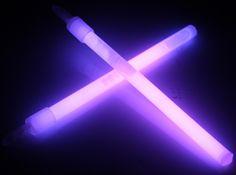 Violet Aesthetic, Purple Aesthetic, Purple Haze, Shades Of Purple, Lilac, Magenta, Helena Bertinelli, Neon Lighting, Piercings