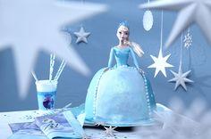Das muss ein Eiszauber sein! Elsas Kleid ist in Wirklichkeit ein leckerer Kuchen. • Foto & Styling: Thordis Rüggeberg, Foodproduktion: Eileen Greuel