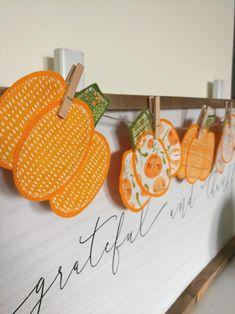 Felt Pumpkin Banner using HeatnBond Fusible Adhesive - Therm O Web Felt Banner, Diy Banner, Halloween Banner, Halloween Crafts, Halloween Scrapbook, Fall Projects, Diy Projects, Paper Crafts, Diy Crafts
