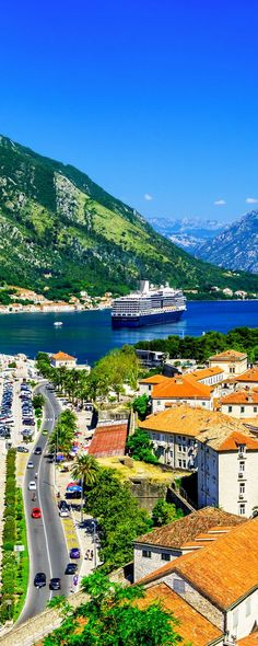 What do I see, eat and do in Kotor, Montenegro. #Kotor #Montenegro #Travel #traveltips