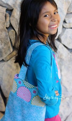 Free pattern and instructions for sewing an easy tote bag!