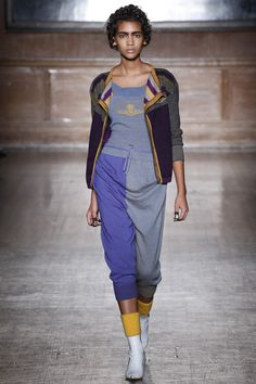 Vivienne Westwood Red Label Fall 2016 Ready-to-Wear Fashion Show  http://www.theclosetfeminist.ca/   http://www.vogue.com/fashion-shows/fall-2016-ready-to-wear/vivienne-westwood-red-label/slideshow/collection#21
