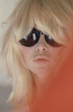 bardot hair + sunnies.