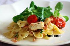 insalata di pasta con pollo e verdure