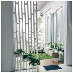 🌟Tante S!fr@ loves this📌🌟Taman Minimalis Dalam Rumah Patio Interior, Home Interior Design, Interior And Exterior, Interior Decorating, Minimalist Home, Minimalist Garden, Cozy House, Home And Living, Home Projects