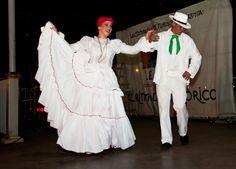 Puerto Rican Festival, Puerto Rico Clothing, Puerto Rican Culture, Puerto Rican Recipes, Pretty Images, Puerto Ricans, Barbie Dress, Beautiful Islands, Lbd