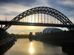 5:00 am walk across the Tyne. An hour before filming on @sage_gateshead roof a day before starting on top secret career changing project and 4 days before sitting in a pub with a pint and reflecting on how knackered I am. #tyne #bridge #newcastle #gateshead #hardwork #quayside #dawn #sunrise #sky #river #beauty #knackered