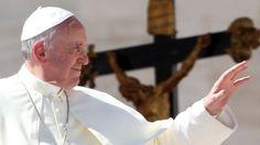 Papa Francesco durante la visita a Cagliari di questa mattina, parla di Lavoror, Disoccupazione, Uomini e Donne
