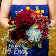 Dahlias, wheat, sunflowers, and succulents had a quintessential autumn look.