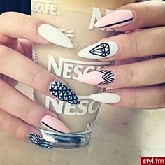 Image discovered by ᗰIᔕᔕ ᐯ❥GᑌE. Find images and videos about fashion, nails and nail art on We Heart It - the app to get lost in what you love. Dope Nails, Get Nails, Hair And Nails, Fabulous Nails, Gorgeous Nails, Pretty Nails, Nails Polish, Stiletto Nail Art, Creative Nails