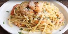 Linguine... crevettes, vin blanc et parmesan! Presque trop facile à faire... - Recettes - Ma Fourchette Quick Recipes, Quick Easy Meals, Asian Recipes, Cooking Recipes, Ethnic Recipes, Parmesan, 17 Day Diet, Pasta Noodles, Shrimp Recipes