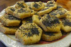 Jak upéct slané cukroví z bramborového těsta   recept Bagel, Bread, Party, Food, New Years Eve, Brot, Essen, Parties, Baking