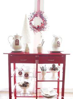 DIY Hot Cocoa Bar Station - BirdsParty.com