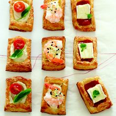 Puff pastry party snacks - great idea and so simple Easy Party Food, Party Snacks, Appetizers For Party, Appetizer Recipes, Party Party, Tapas, Yummy Snacks, Yummy Food, Cocktails And Canapes