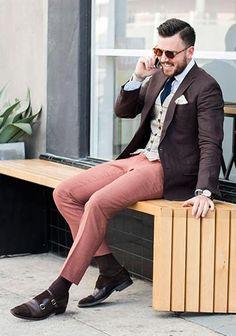 【春】ブラウンジャケット×ピンクパンツの着こなし(メンズ) | Italy Web