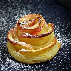 Rosas-manzana con canela y hojaldre