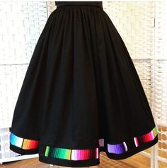 Full gathered skirt with mexican serape trim and pockets. Mexican Fashion, Mexican Outfit, Modest Fashion, Boho Fashion, Fashion Outfits, Mexican Skirts, Mexican Fiesta Dresses, Traditional Mexican Dress, Look Formal