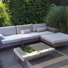 #loungeset#Arbrini#tuin#et#meubelen http://www.arbrini.nl/loungeset-wicker/loungeset-lineo/rondwicker-grijs-3-meter/
