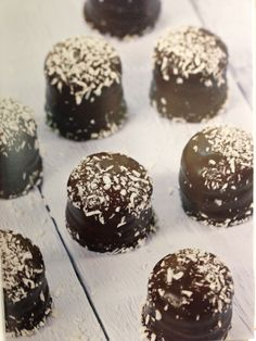 bilde Good Healthy Recipes, Healthy Snacks, Cake Receipe, Sugar Free Recipes, Low Carb Keto, Good Food, Food And Drink, Sweets, Chocolate