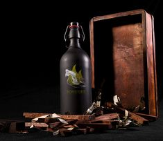 You can use the box to start a little fire to warm this mulled wine