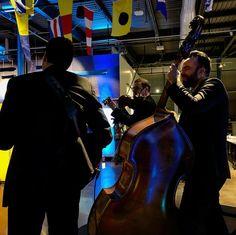 Performance au Grand quai du port de Montréal. Trio Jeux de cordes. Photos Du, Concert, Fictional Characters, Ropes, Musicians, Gaming, Concerts, Fantasy Characters
