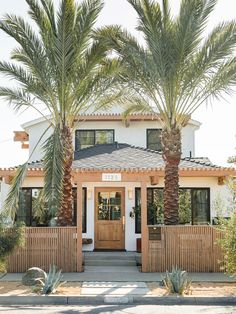 A SoCal Home Had Nowhere to Hang Outside—Now It has 4 Decks and 5 Pergolas Modern Cottage, Cottage Style Homes, Backyard Patio, Exterior Design, House Tours, Outdoor Living, Outdoor Spaces, Outdoor Decor, Beautiful Homes