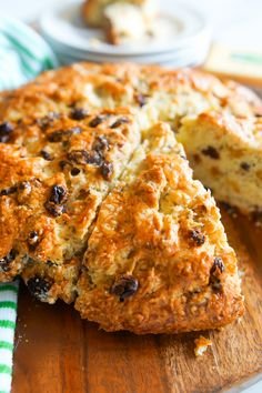 Here's a little blast from the past. This recipe is sitting way, way, way back, buried in the Bake at 350 archives. It needed to be reviv. Bread Recipes, Cooking Recipes, Scone Recipes, Irish Soda Bread Recipe, Irish Bread, Irish Recipes, Irish Meals, Scottish Recipes, Artisan Bread