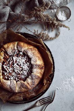 St[v]ory z kuchyne Apple Galette, Sweet Bar, Sweet Desserts, Camembert Cheese, Fruit Cakes, Recipes, Tarts, Food, Basket