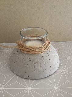 Concrete base for a tea light.