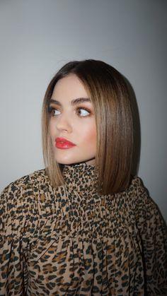 Chic Short Hair, Short Straight Hair, Long Bob Hairstyles, Pretty Hairstyles, Lucy Hale Short Hair, Blunt Hair, New Hair Do, Brunette Hair, Hair Today