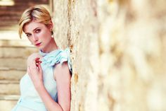 Elizabeth Debicki as Jed in The Night Manager (2016).(click the...