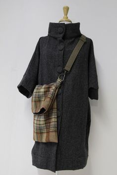lj struthers messenger bag  Coat and bag, both nice !!!  the bag could be made from a resale store sweater!   so easily done.