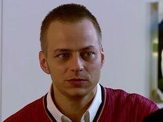"""Screen Caps of Tom Wlaschiha from the series """"In aller Freundschaft"""" episode """"Auf Distanz"""" From: https://www.facebook.com/tomwlaschihafanpage/"""