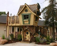 Cool treehouse for my kiddos!!
