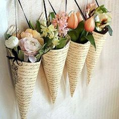 Cones of flowers pieces) Arte Floral, Ikebana, Dried Flowers, Paper Flowers, Diy And Crafts, Paper Crafts, Flower Packaging, Flower Farm, Floral Bouquets