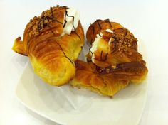 Croissant with cranberry marmalade and much more!
