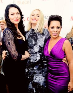 laura prepon & taylor schilling & selenis leyva - orange is the new black premiere