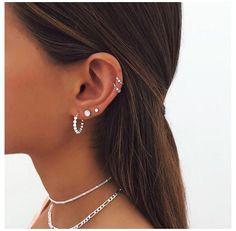 Ohrknorpel Piercing, Bijoux Piercing Septum, Unique Ear Piercings, Ear Piercings Chart, Piercing Chart, Ear Peircings, Types Of Ear Piercings, Cool Piercings, Multiple Ear Piercings