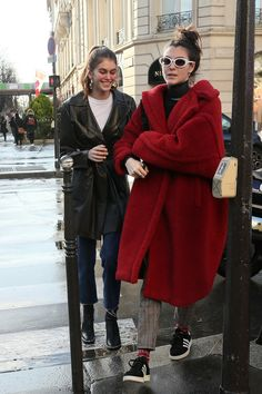 Vittoria and Kaia Style Invierno, Fall Outfits, Fashion Outfits, Cold Weather Fashion, Kaia Gerber, Thrift Fashion, Models Off Duty, Passion For Fashion, Autumn Winter Fashion
