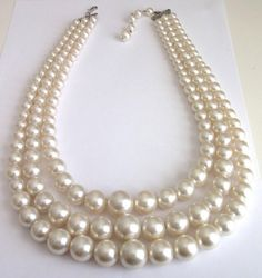 VINTAGE 50 S CHUNKY CREAM PEARL BEADS MULTI STRAND BEADED STATEMENT NECKLACE