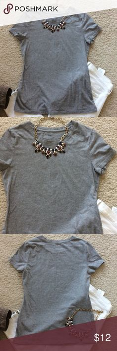 """GAP Favorite Stretch tee GAP Favorite Stretch tee in grey. Great wardrobe staple. Laying flat approx 24"""" shoulder to hem, approx 16.5"""" pit to pit. 95 cotton 5 spandex. Size S. Excellent condition. GAP Tops Tees - Short Sleeve"""