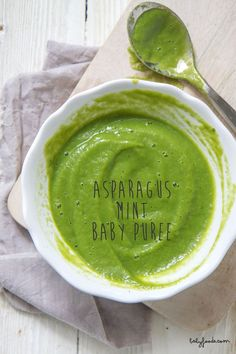) – Baby Foode Asparagus mint puree from babyfoode This would be fab in Little Mashies reusable food pouches! Baby Puree Recipes, Pureed Food Recipes, Toddler Meals, Kids Meals, Toddler Food, Toddler Schedule, 4 Month Baby Food, Baby Food Vegetables, Baby Food Recipes Stage 1