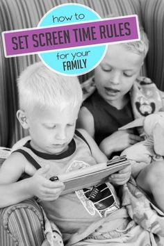 How to set screen time rules for your family (free guide/printable)