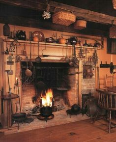 Colonial Style: Creating Classic Interiors in Your Cape, Colonial, or Saltbox Home Primitive Homes, Primitive Fireplace, Primitive Kitchen, Cozy Fireplace, Primitive Country, Primitive Dining Rooms, Primitive Bedroom, Primitive Antiques, Primitive Crafts