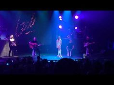 Mariano y su familia viendo el show de Lali en Punta del Este + conferencia de prensa (16-01-16) | Info Lali Espósito